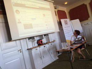 Jane Andersen introducerer deltagerne til LinkedIN-grupper og e-tivities.